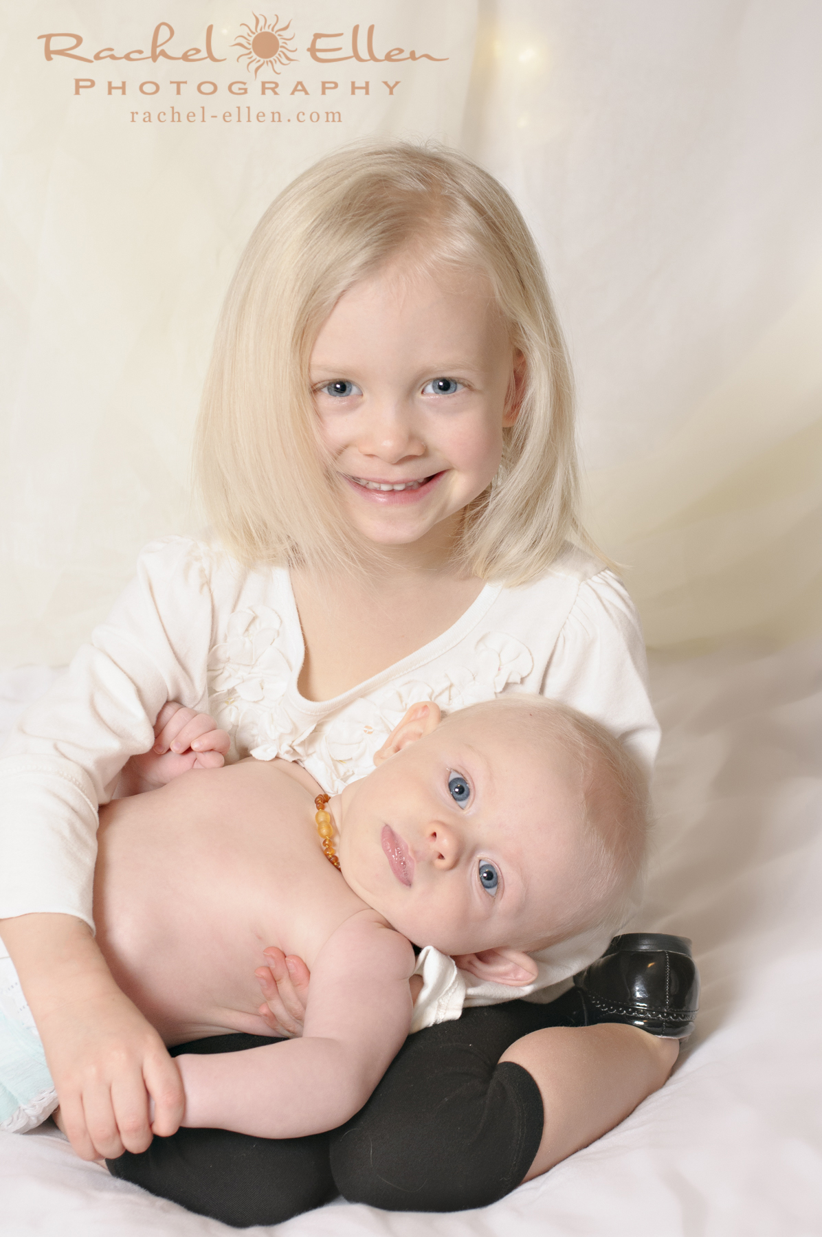 sibling baby portraits