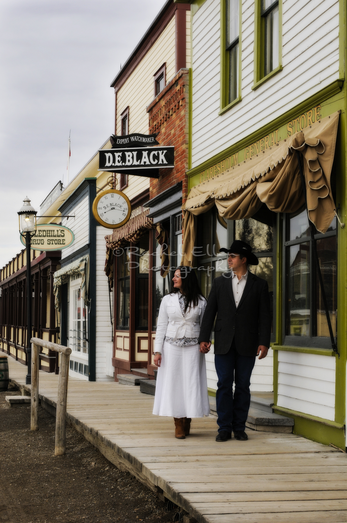couples portraits at Heritage Park