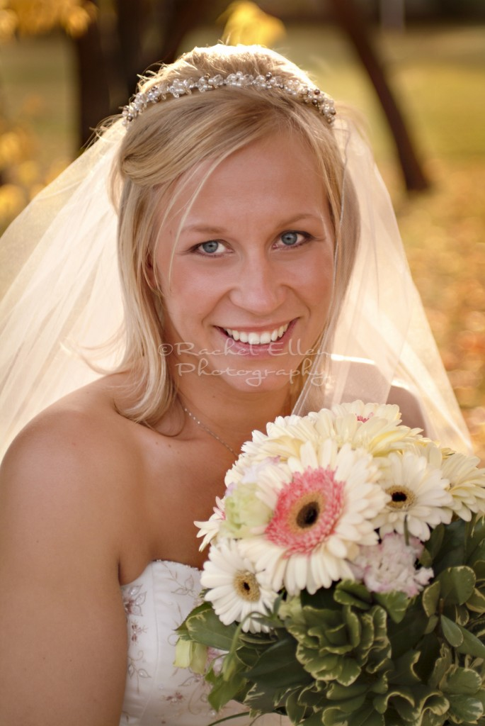 Bride with Gerber Daisies bouquet