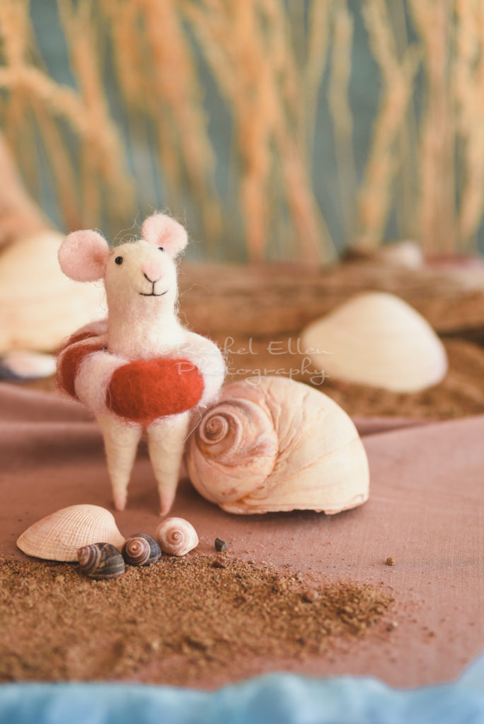 seaside felted mouse